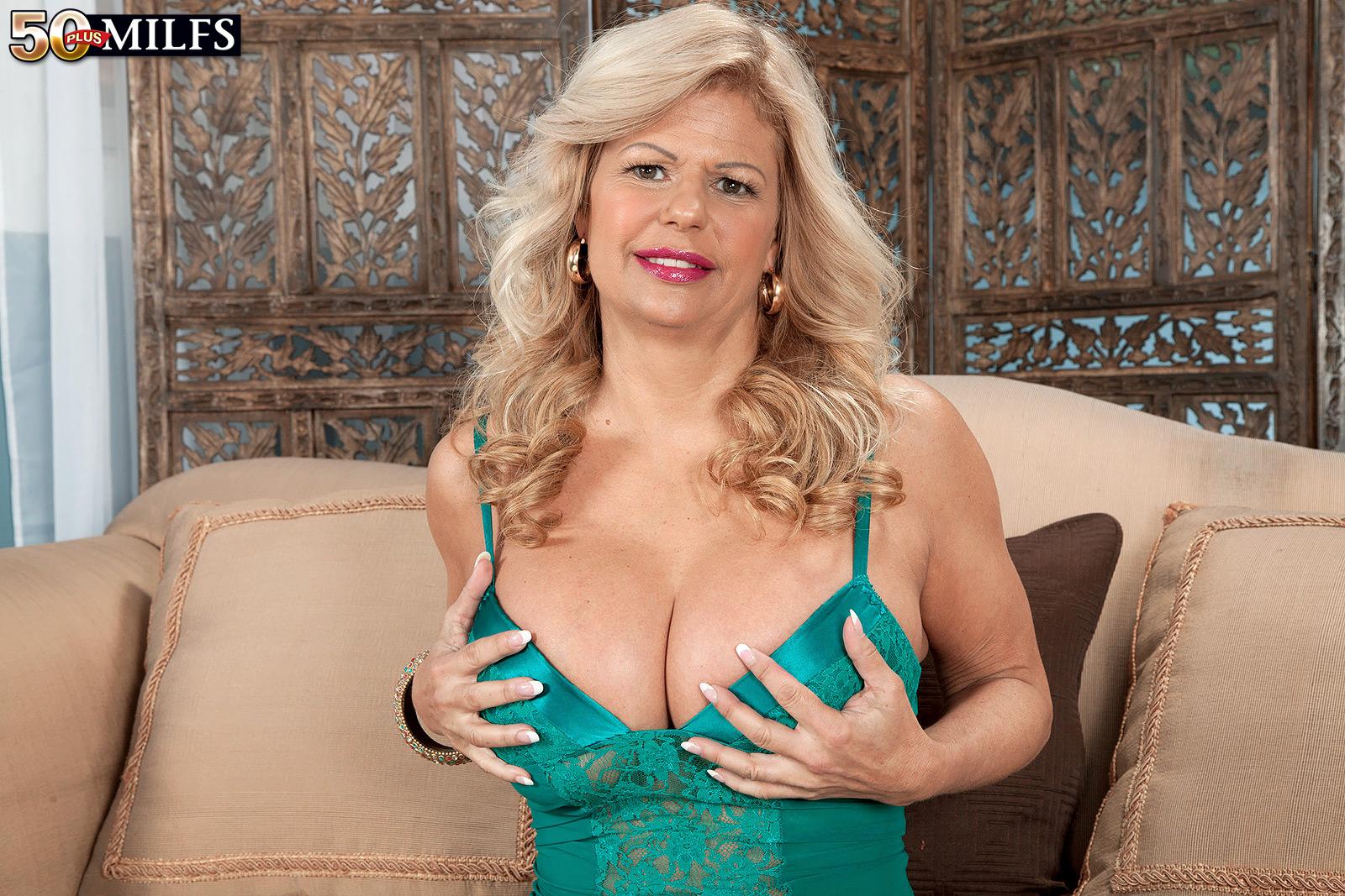 50 Plus Cougar Women Porn - Mature milf 50plus xxx - Busty mature gets fucked jpg 1600x1067