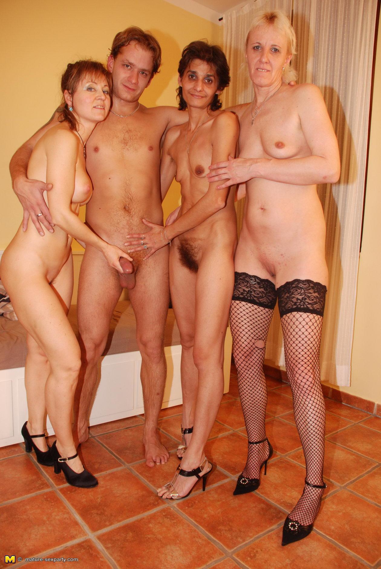 sauna maturesex