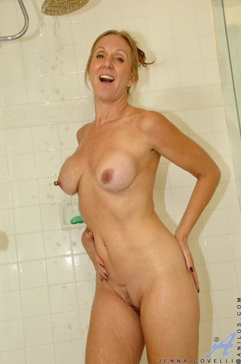 Dripping Wet Milf